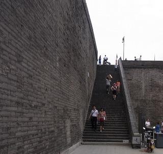城壁登る.jpg