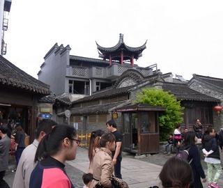 東関街石造り2.jpg