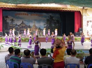 民族舞踊1.JPG