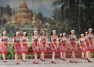民族舞踊2.JPG