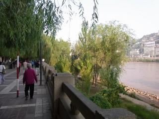 黄河沿い2.JPG