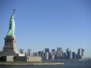 本物の自由の女神と摩天楼 0511.jpg