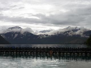 湖景色3.JPG