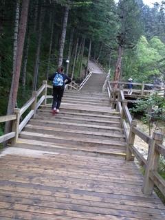 長い階段1.JPG